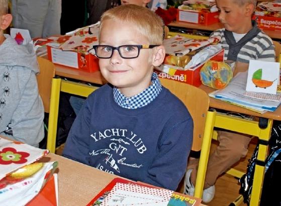 Matěj z Mělníka je jedním ze 77 prvňáčků kteří letos v prvním školním dni usedli poprvé do lavic ZŠ Jaroslava Seiferta.