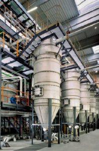 Horké filtry čistící linky bioplynu.