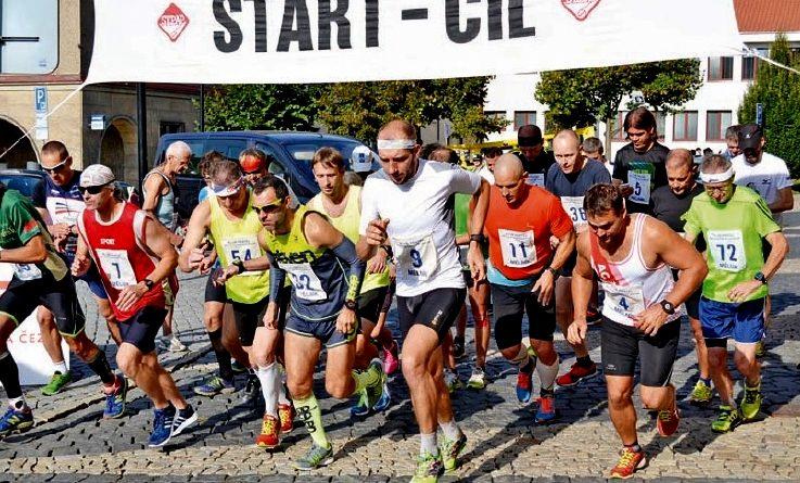 Trať nejstaršího místního běžeckého závodu vedla z Mělníka na Harasov a poté zpět, závodníci tedy v cíli měli v nohách 25 kilometrů.