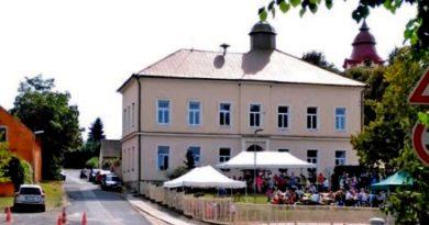 Obec Ledčice oslavila 790. výročí od svého založení a 130 let školy.