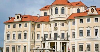 Zámek v Liblicích - Konferenční centrum Akademie věd ČR.