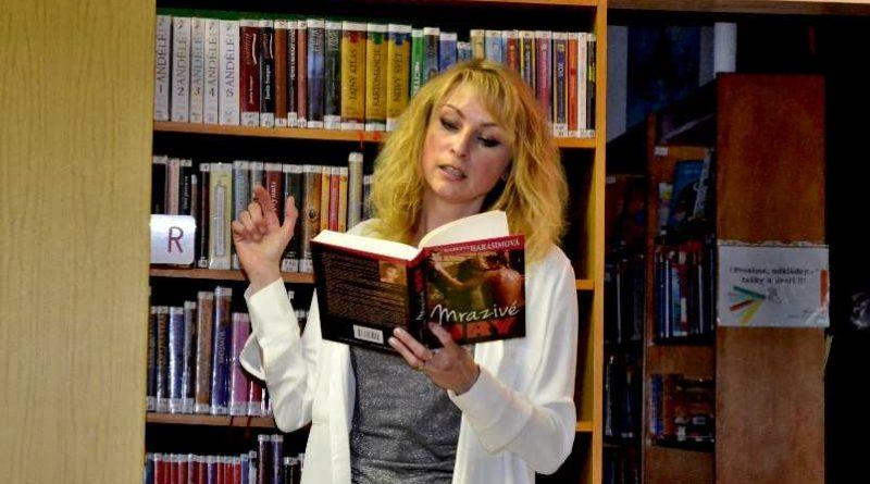 Spisovatelka, publicistka a scenáristka Markéta Harasimová předčítala v Městské knihovně Mělník ze své nové knihy Mrazivé hry