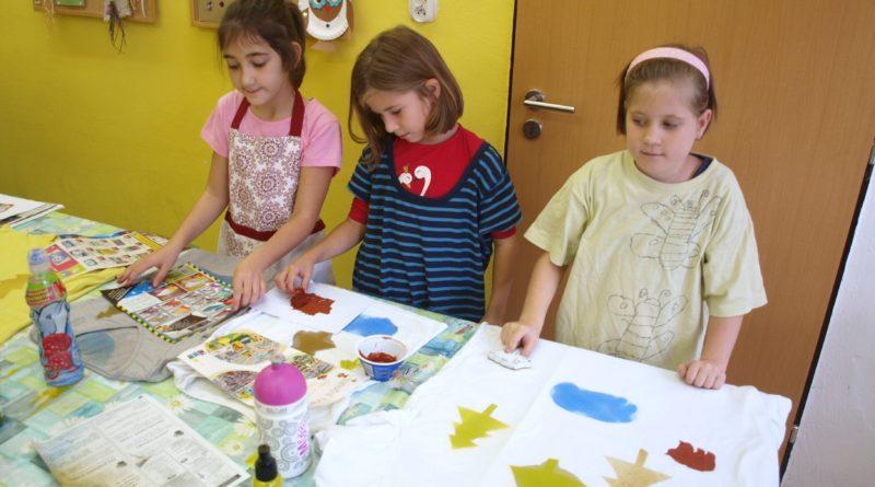 Dům dětí a mládeže Mělník patří k vyhledávaným zařízením pro děti. Jeho program je ale určen i pro dospělé. Foto - Otto Lokaj
