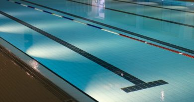 indoor-swimming-pool-735309_640