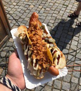 Výborný hot dog