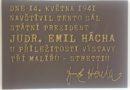 Pamětní deska připomíná návštěvu prezidenta Emila Háchy ve Slaném