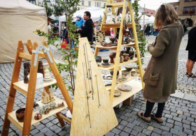 Mělnické náměstí hostilo první Keramický jarmark