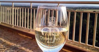 Další putování za vínem smělnickými vinaři