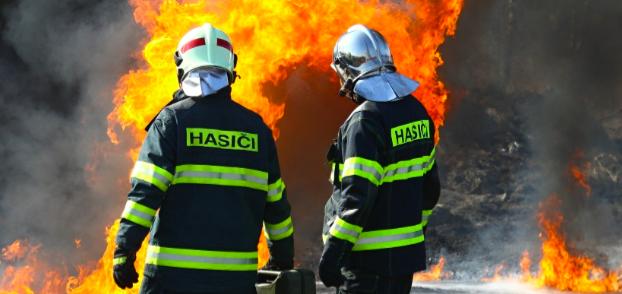 Ve Chvatěrubech hořel rodinný dům, škoda jeden milion korun