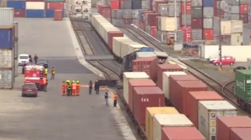 V mělnickém přístavu došlo kekologické havárii
