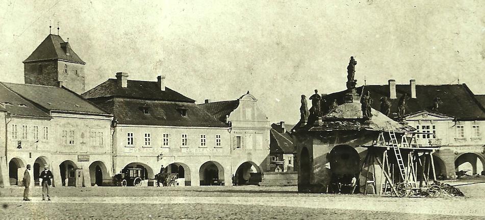 Náměstí kolem roku 1890