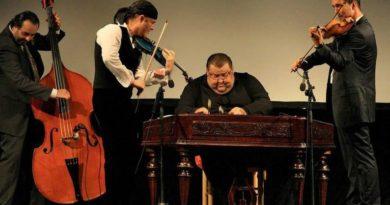 Pavel Šporcl zahraje vdivadle ve Slaném