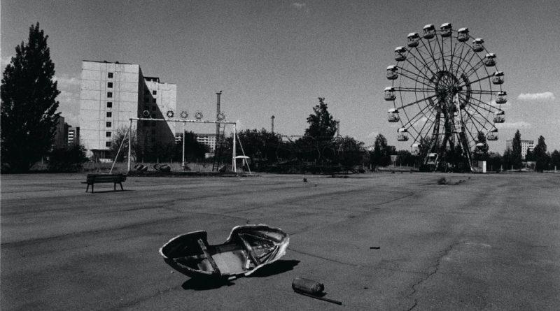 An amusement park in the abandoned city of Prypiat, Ukraine.  Photo by: Antonin Kratochvil / VII